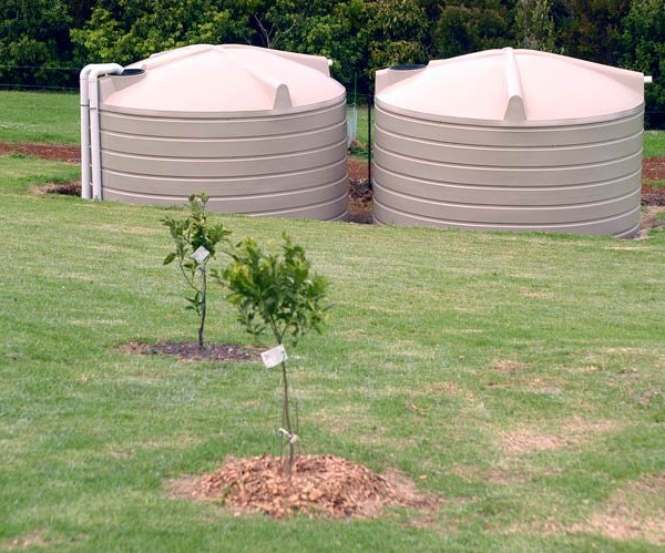 r22,700-litre-two-water-tanks-for-garden