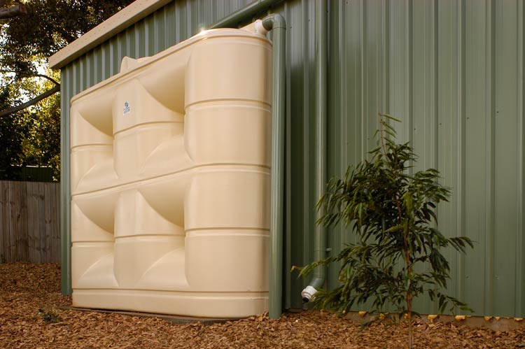 3000-litre-slimline-rain-water-tank-plumbed-to-shed